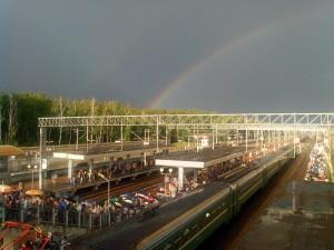 Радуга над железной дорогой